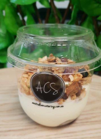 Yoghurt & muesli pot